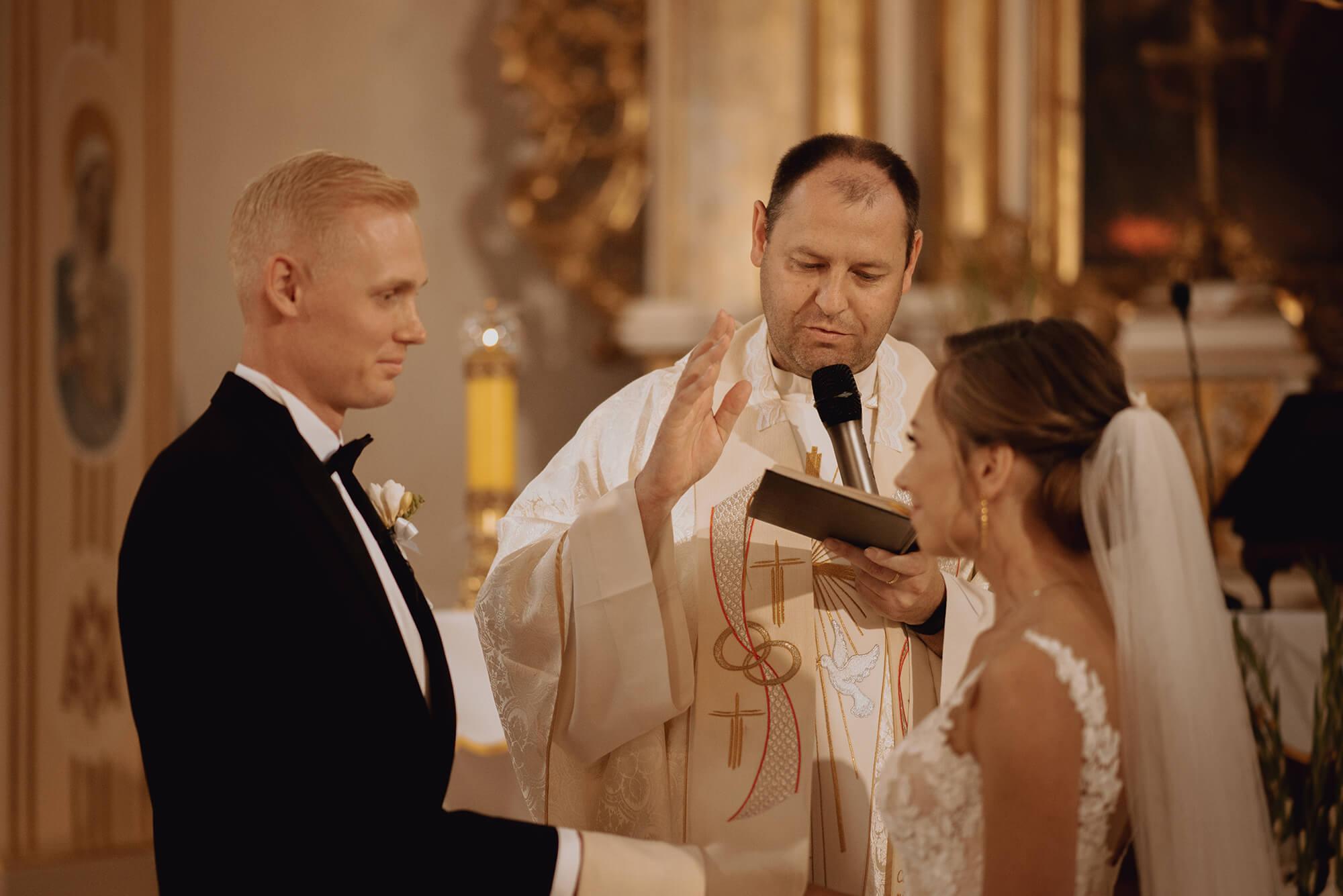 Slub wesele w dworze Hulanka00018 - Ola + Maciej | wesele w Dworze Hulanka