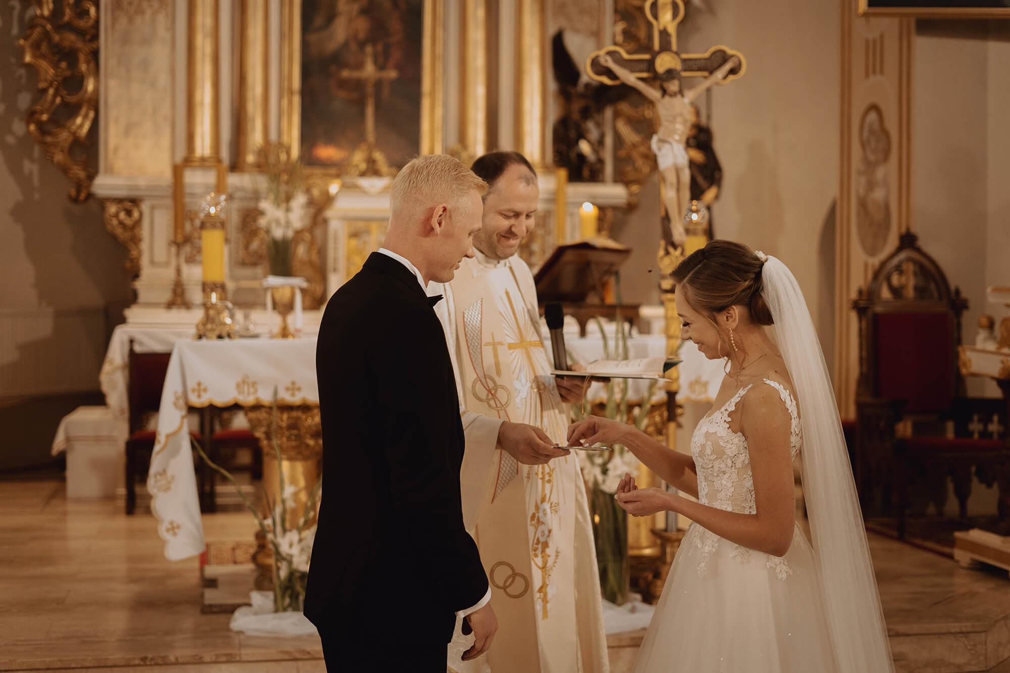 Slub wesele w dworze Hulanka00067 - Ola + Maciej | wesele w Dworze Hulanka