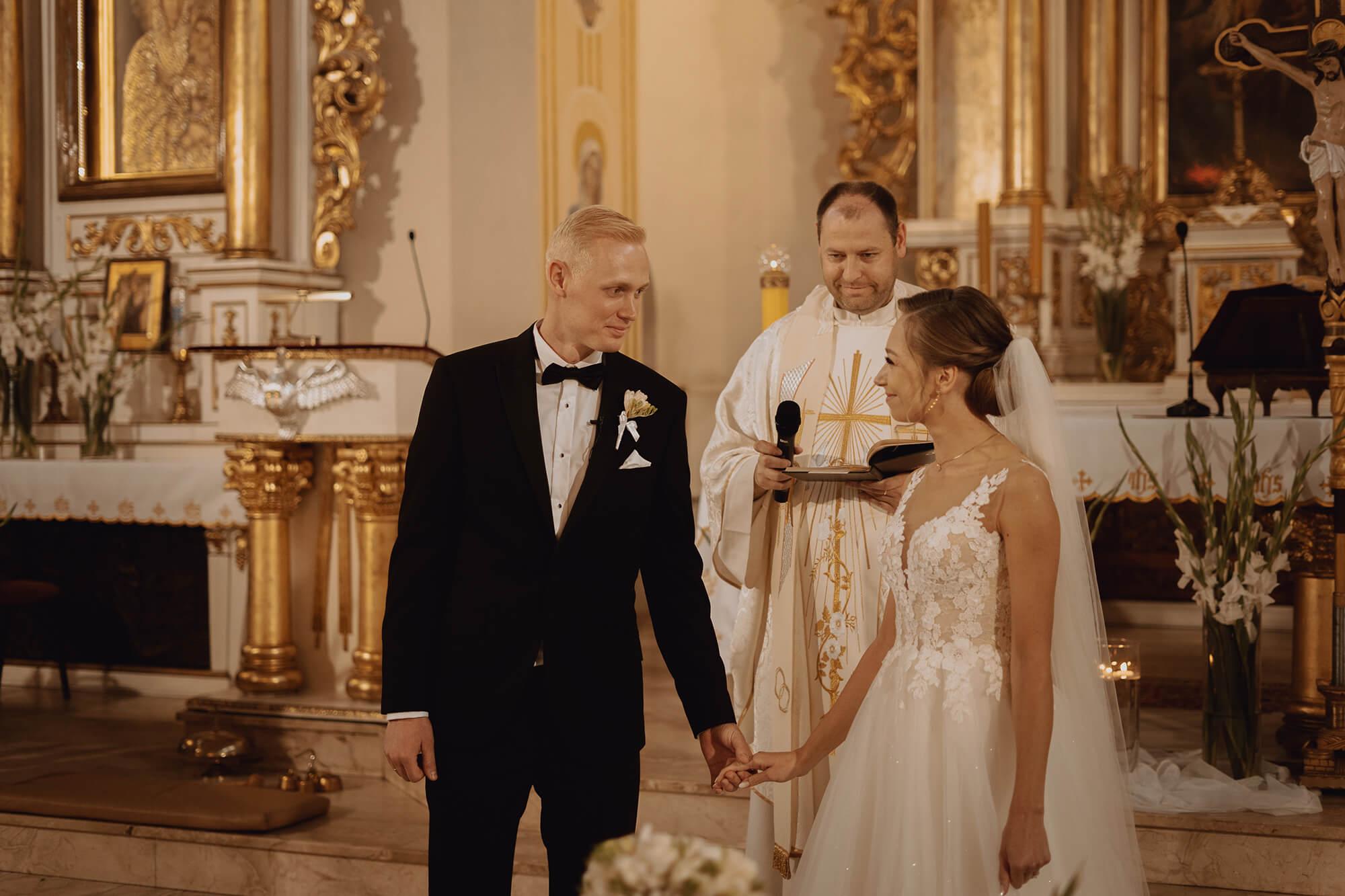 Slub wesele w dworze Hulanka00069 - Ola + Maciej | wesele w Dworze Hulanka