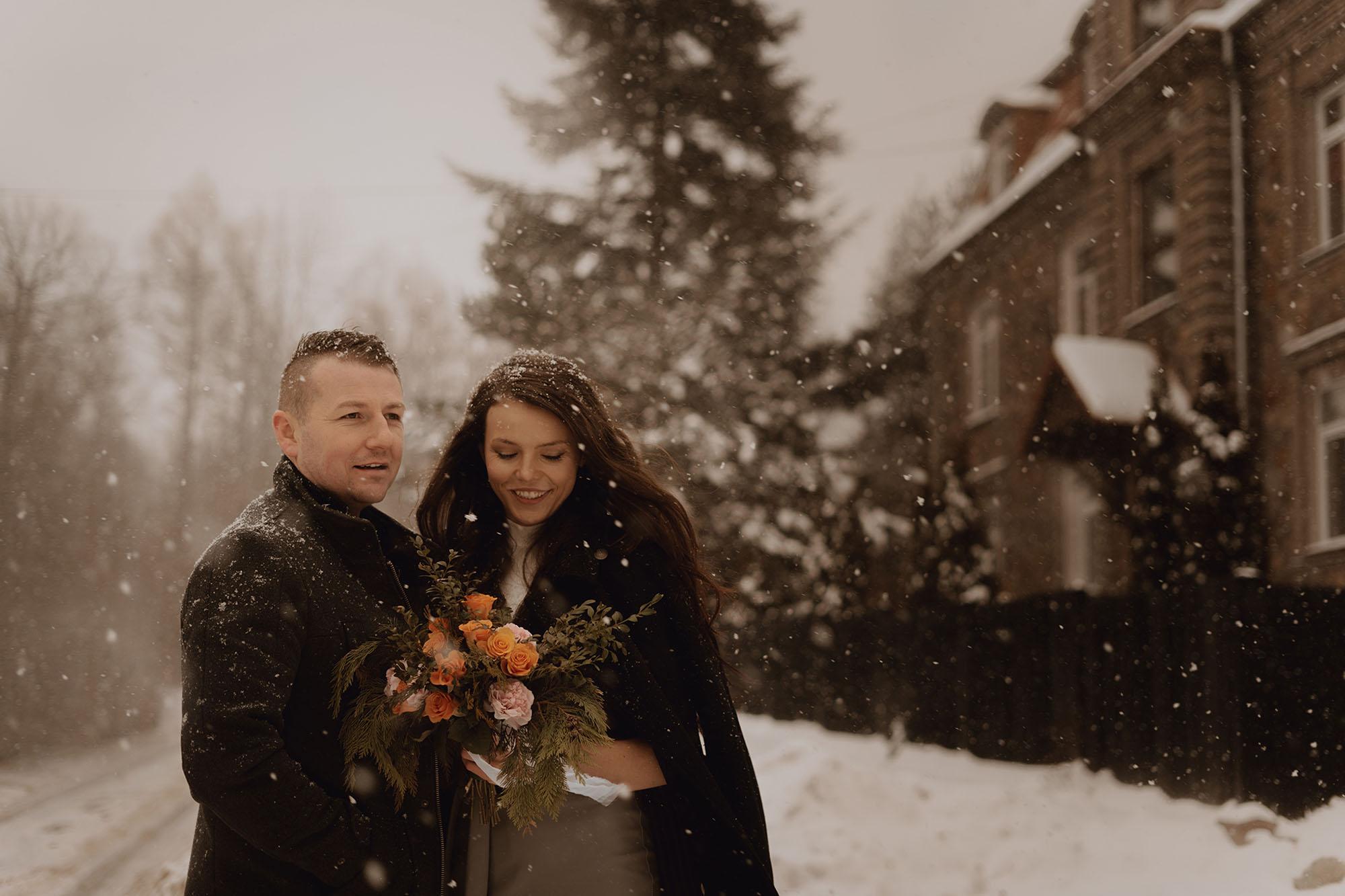 zimowa sesja dla pary00005 - Miłość