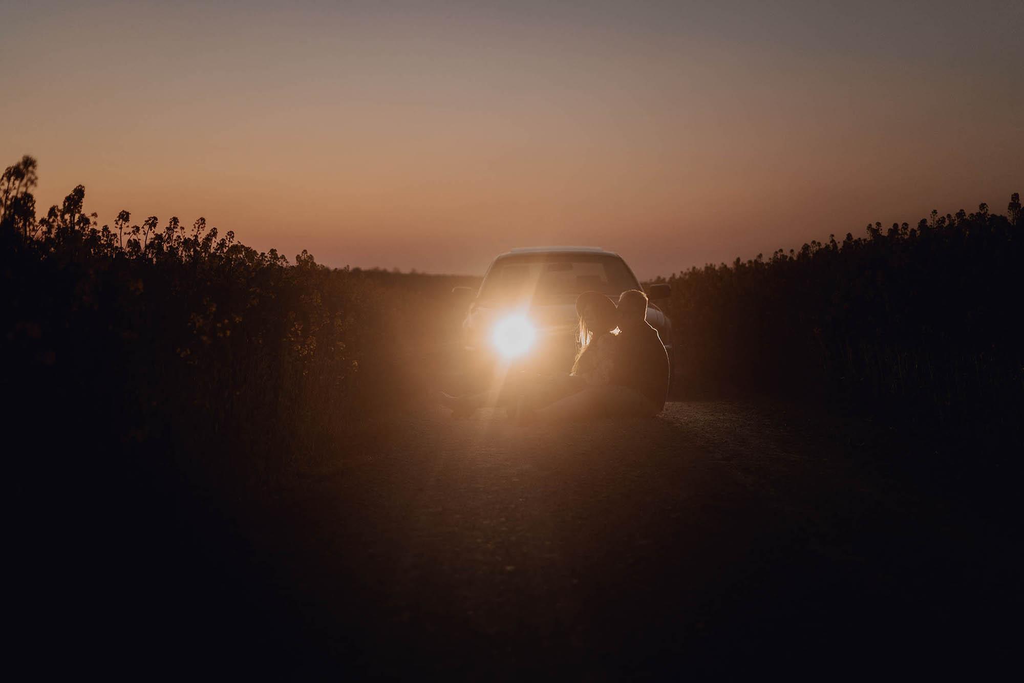 Sesja narzeczenska rzepak kielce 00059 - Sesja narzeczeńska z lampką wina