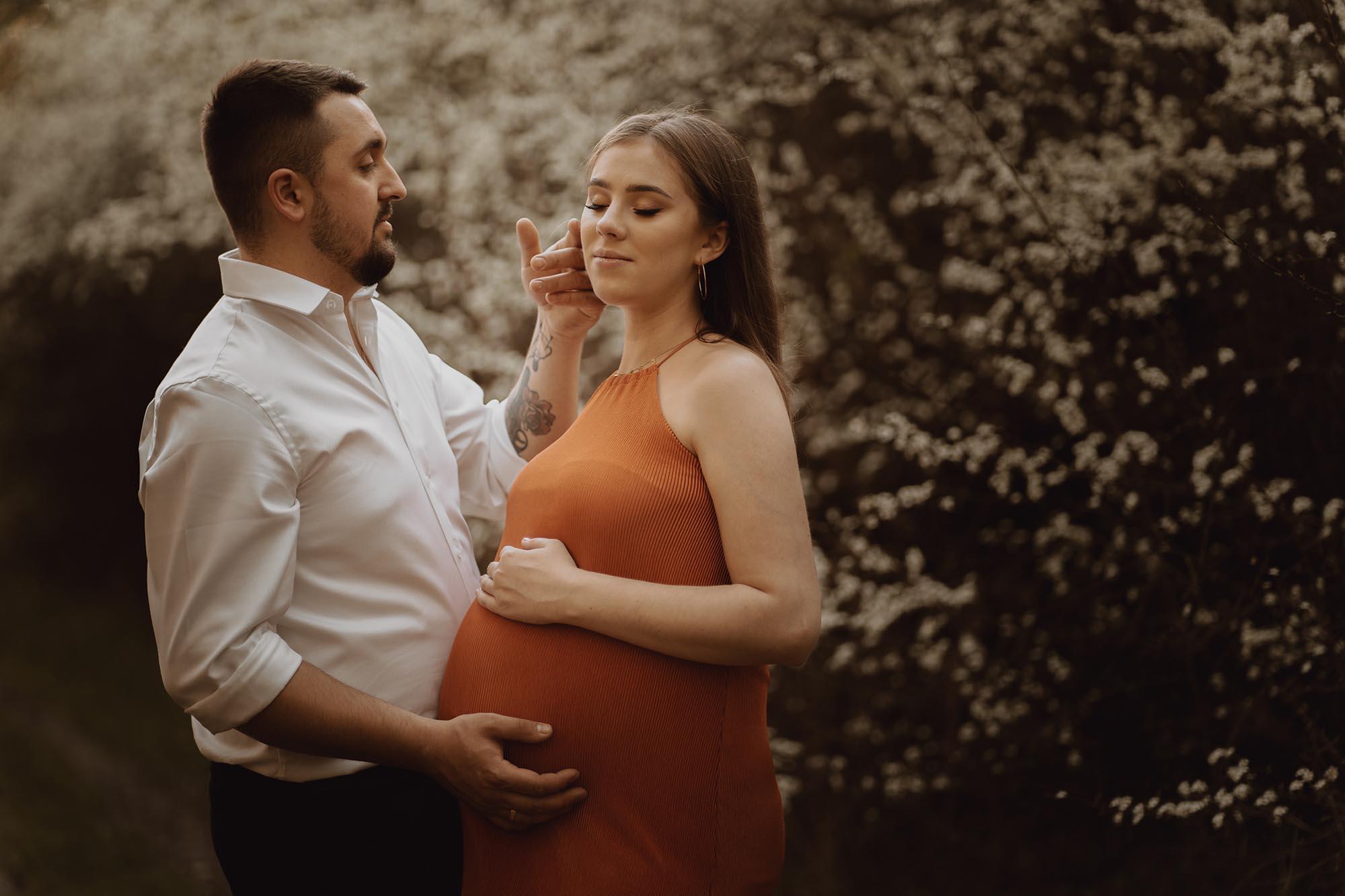Wiosenna sesja ciazowa kielce00015 - Wiosenna sesja ciążowa