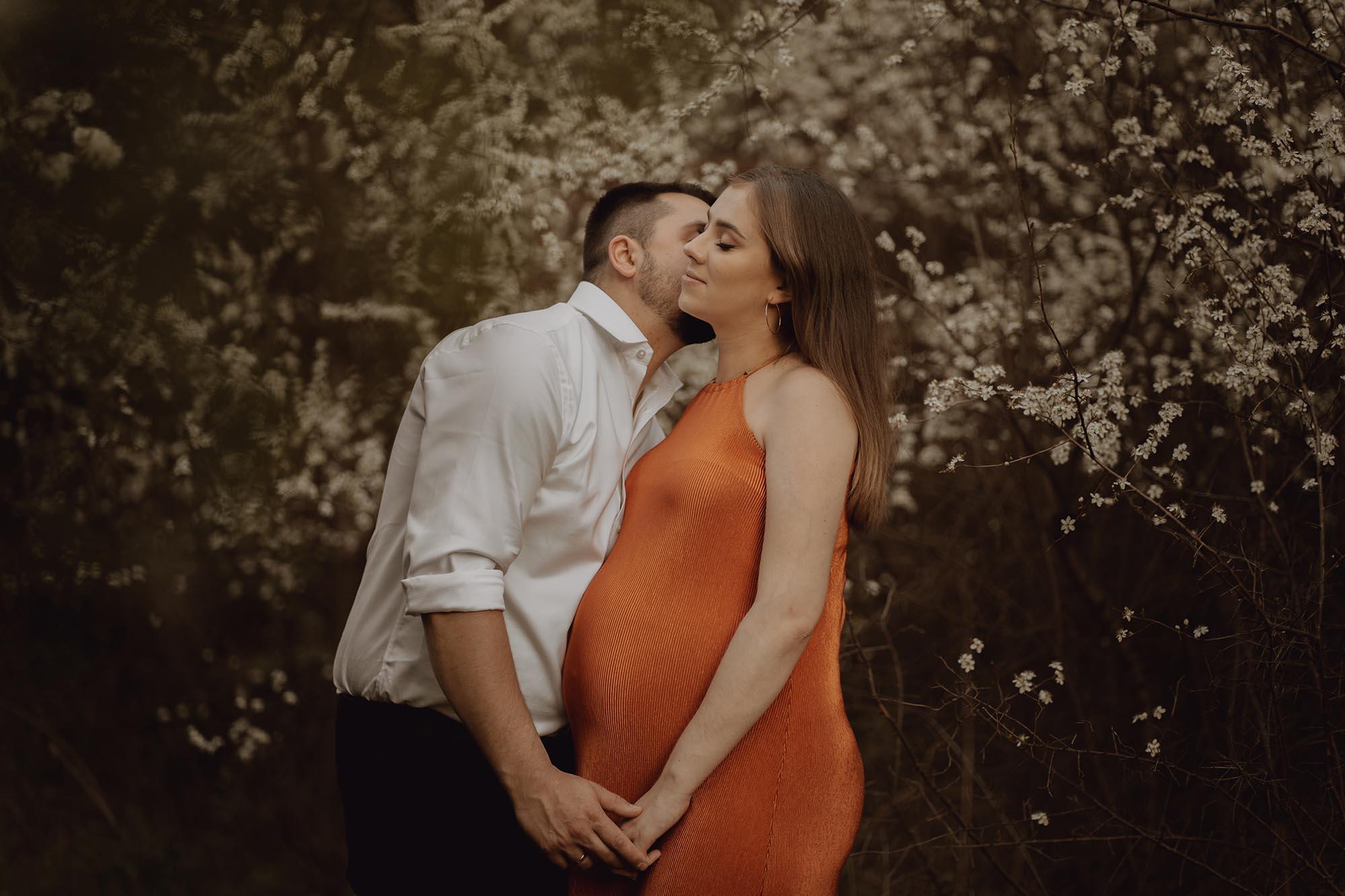 Wiosenna sesja ciazowa kielce00032 - Wiosenna sesja ciążowa
